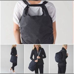 Lululemon convertible messenger bag/backpack